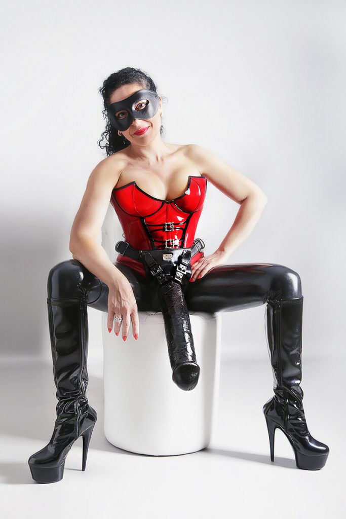 Lady Hera - Domina, Anahldehnung, Strap On,